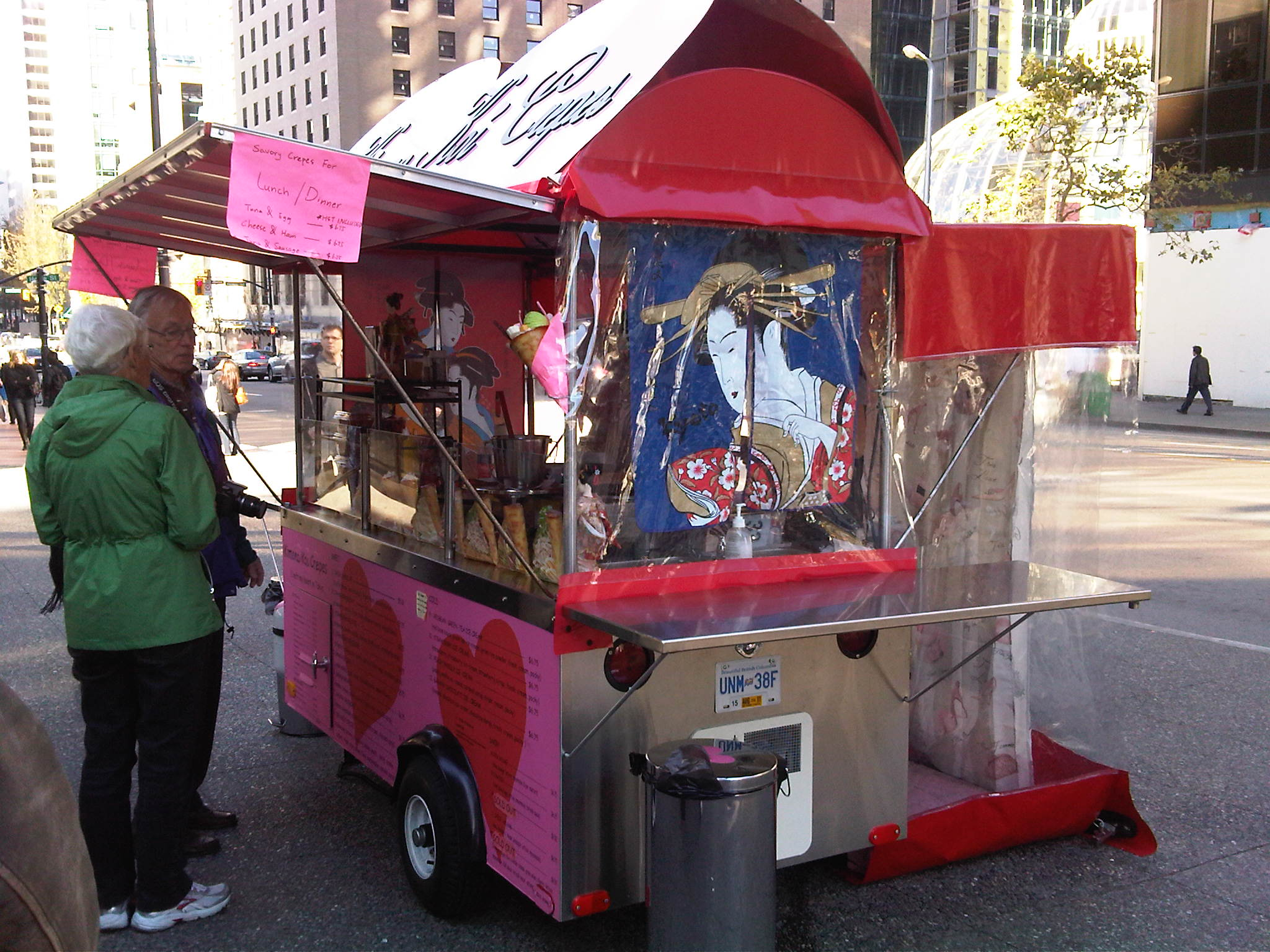 Crepe Food Carts http://foodpunk.ca/2010/11/14/kimono-koi-crepes-food-cart-pretty-in-pink/